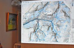 Patrick Blau präsentierte eine Starkregen-Gefahrenkarte.      Foto: He   inz Vollmar Foto: Die Oberbadische