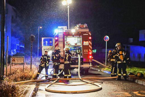 Rund 60 Feuerwehrleute waren im Einsatz.    Foto:  Meller Foto: Die Oberbadische