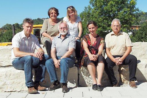 Spender und Unterstützte (hinten, v.l.): Klaudia Klein (Präsidentin Kiwanis-Lörrach), Corin Fischer (Leitung Kita am Bächle), (vorne,  v.l.): Joachim Sproß (GF Kaltenbach-Stiftung), Julio Srulijes (Kiwanis), Iris Teuliére (Kaltenbach-Stiftung) und Werner Mende (Kiwanis)  Foto: zVg Foto: Die Oberbadische