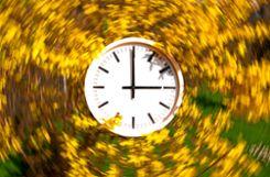Wird die Uhr künftig weiterhin zweimal im Jahr umgestellt?   Foto: sba Foto: Weiler Zeitung