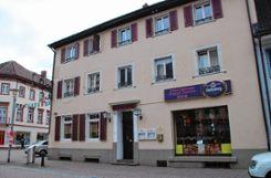 """Das markante, traditionsreiche Gasthaus in der Hauptstraße 56, ehemals """"Schneider-Löwen"""", wird jetzt ein vietnamesisches Restaurant.   Fotos: Petra Martin Foto: Markgräfler Tagblatt"""