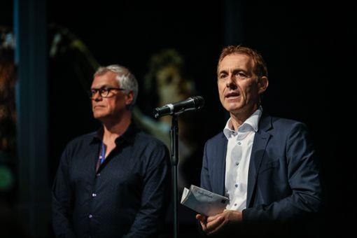 Markus Muffler (l.) und Jörg Lutz bei der diesjährigen Eröffnung des Stimmenfestivals. Foto: Kristoff Meller