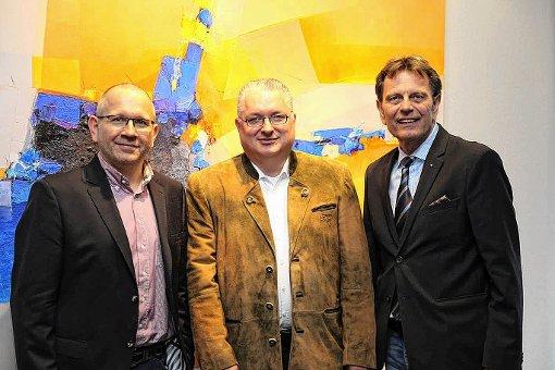 Jörg Rosskopf  mit Dieter Wullschleger (r.), und Andreas Walter (l.)   Foto: zVg Foto: Die Oberbadische