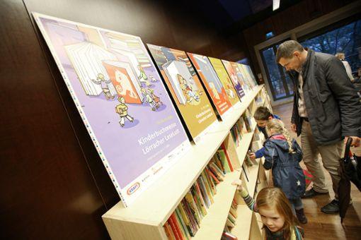 Blick in die Kinderbuchmesse im Burghof    Archivfoto: Meller Foto: Die Oberbadische