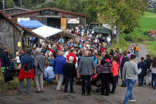 Riesenandrang herrschte beim Brauchtumsfest in Raich.  Fotos: Heiner Fabry Foto: Markgräfler Tagblatt