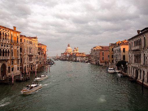 Ansichten aus Venedig werden in der Rathausgalerie in Rheinfelden gezeigt.   Foto: Birgit Agostini Foto: Die Oberbadische
