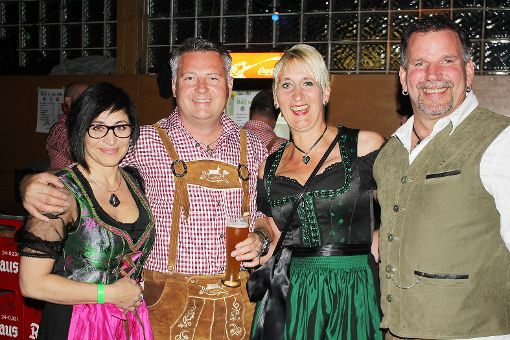 Die Veranstaltung von Oktave Chratzer und Musikverein Brombach nutzen viele, um sich zünftig in Schale zu werfen.    Foto: Gerd Lustig Foto: Die Oberbadische