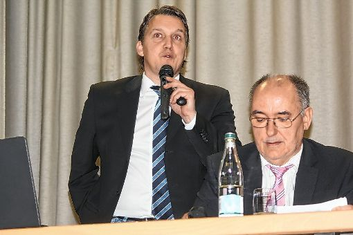 Das Führungsduo des Fußballbezirks: Ralf Brombacher  (links) und  Uwe Sütterlin.  Foto: Gerd Lustig Foto: Die Oberbadische