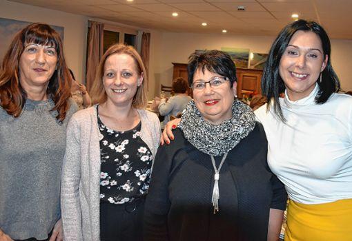 """Sie führen den Verein """"Helfende Hände"""" (von links): Heike Traichel, Jessica Töpper, Martina Schröpfer und Özlem Zeh. Die übrigen Vorstandsmitglieder waren bei der Versammlung nicht anwesend. Foto: Vollmar"""