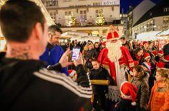 Impressionen vom Eröffnungstag des 42. Lörracher Weihnachtsmarkts. Foto: Kristoff Meller Foto: mek