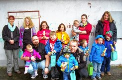 Besuch vom Osterhasen bekamen die Kinder beim Weiler C 201. Auf dem Foto ist auch Jugendwartin Carmen Schassberger (hintere Reihe, Dritte v.l.) Foto: Weiler Zeitung