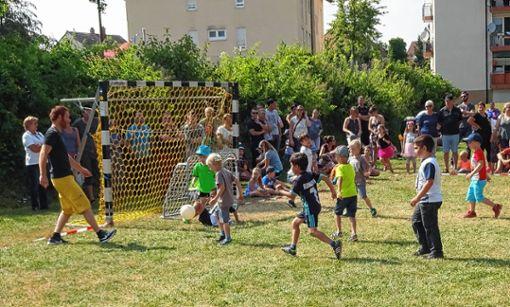 """Mit Feuereifer waren die Kita-Kicker bei ihrer """"Privat-WM"""" bei der Sache    Foto: zVg Foto: Markgräfler Tagblatt"""