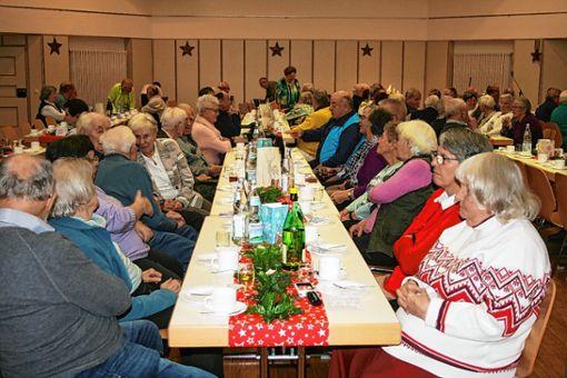 Einen besinnlichen und doch heiteren Adventsnachmittag erlebten die Gäste des Krankenpflege- und Diakonievereins Steinen. Foto: Ralph Lacher