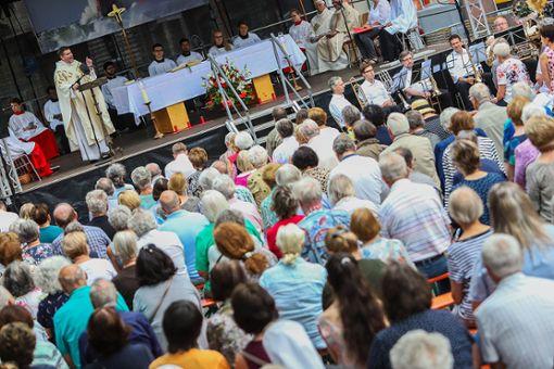 Impressionen des Fronleichnamsgottesdienstes auf dem Alten Marktplatz. Foto: Kristoff Meller  Foto: Kristoff Meller