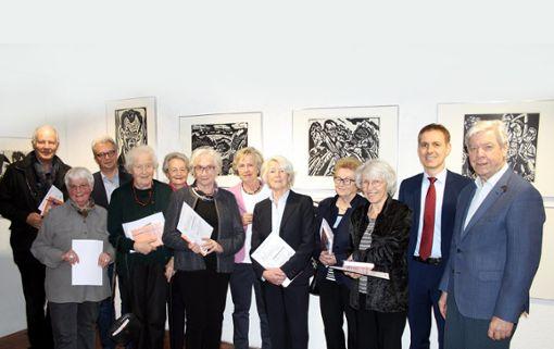 Inge Gula (2. v.l.) ehrte zusammen mit Jörg Lutz (2. v.r.) viele langjährige Mitglieder des Museumsvereins.   Foto: Markus Greiß Foto: Die Oberbadische