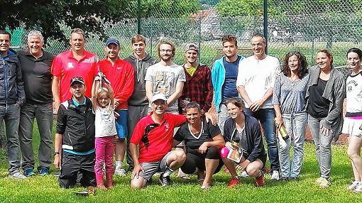 Die Sieger und Finalisten des Pfingsturniers auf einem Blick.  Foto: zVg Foto: Die Oberbadische