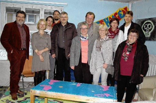 Ortstermin: Der Ortschaftsrat zu Gast beim Jugendtreff in Haagen     Foto: Ursula König Foto: Die Oberbadische