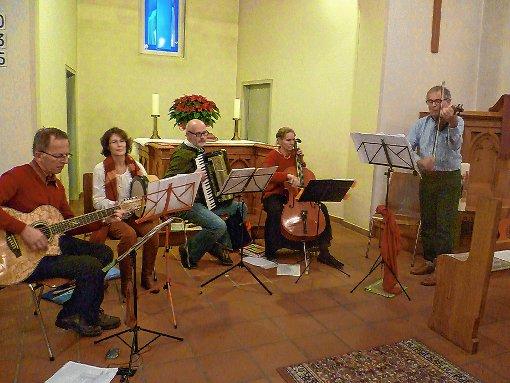"""Spielte für Roma-Kinder: das Ensemble """"Graad Hydt"""".    Foto: Gabriele Rasenberger Foto: Markgräfler Tagblatt"""