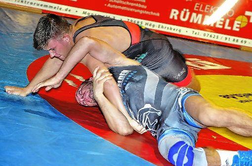 Dennis Kronenberger (oben)  ist einer der jungen WKG-Wilden,  die sich enorm gesteigert haben.   Foto: Mirko Bähr Foto: Die Oberbadische