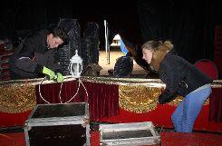 Rund 600 bis 700 Meter Kabel müssen verlegt werden, damit die Beleuchtung beim Weihnachtscircus passt. Foto: Die Oberbadische