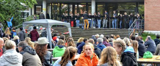 """Beim """"Kant-Open-Air"""" am Mittwochabend trat auch die Big-Band des Kant-Gymnasiums auf.   Foto: Joachim Pinkawa Foto: Weiler Zeitung"""