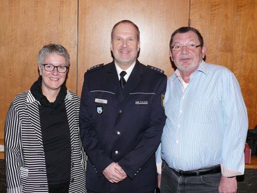 Andreas Nagy (Mitte) mit der Stadtverbandsvorsitzenden Ulrike Krämer und Alfred Kirchner. Foto: Gottfried Driesch