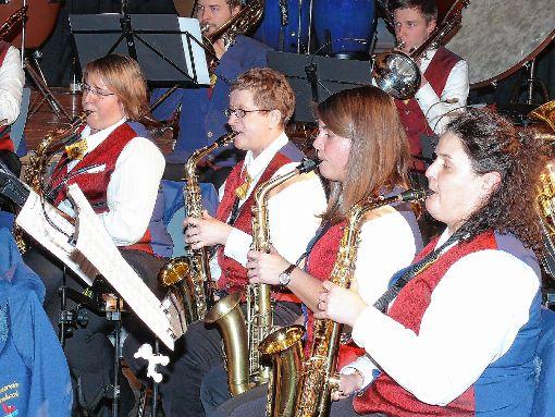Das Saxofonregister des Musikvereins Brombach  beim Jahreskonzert  Foto: Gottfried Driesch Foto: Die Oberbadische