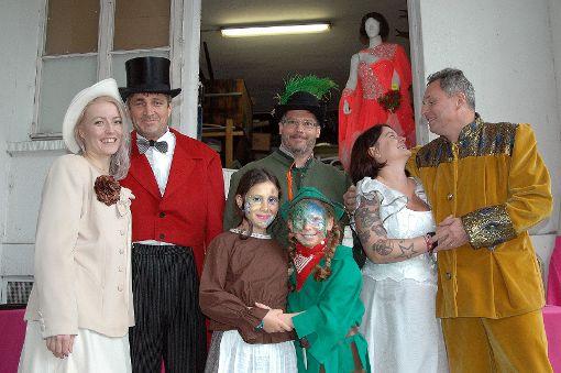 Das Team des Bühneli zeigte sich stimmig in fantasievoller Kostümierung.    Foto: Ursula König Foto: Die Oberbadische