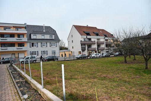"""Dieses von der Gemeinde erworbene """"Schlüsselgrundstück"""" spielt die zentrale Rolle bei der Schaffung der """"Neuen Mitte"""" in Wyhlen. Foto: Monika Vollmar"""