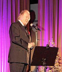 Trotz seiner fast 80 Jahre begeisterte der ehemalige Heldentenor der Bayreuther Festspiele, René Kollo. Foto: Weiler Zeitung