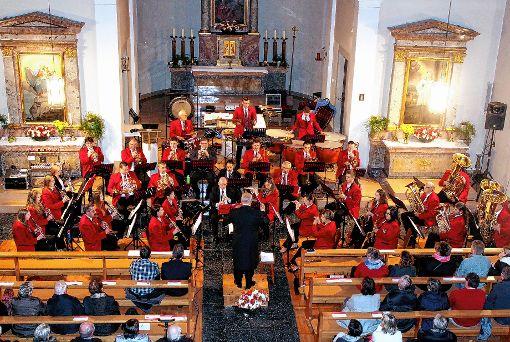 Erneut bot die St. Michael Kirche den stimmungsvollen Rahmen für ein gelungenes Kirchenkonzert des Musikvereins.                     Foto: Reinhard Cremer Foto: Weiler Zeitung
