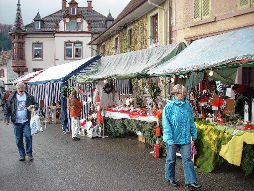 In schönem Ambiente findet am 9. Dezember der Adventsmarkt rund um St. Agathe statt.   Foto: zVg Foto: Markgräfler Tagblatt