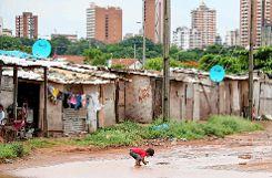 So trostlos kann eine Kindheit in Uruguay sein.  Mit ihrem Einsatz dort und in Argentinien wollen die Abiturientinnen den Kindern und Jugendlichen bessere Chancen für die Zukunft bieten. Foto: Markgräfler Tagblatt
