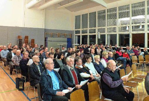 """Traditionell endete der offizielle Teil des Neujahrsempfangs mit dem """"Fischinger Lied"""".    Fotos: Daniela Buch Foto: Weiler Zeitung"""