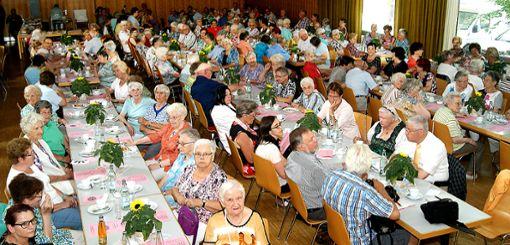Volles Haus: Zu den meisten städtischen Seniorennachmittagen kommen rund 200 BesucherArchiv-Foto: sc Foto: Weiler Zeitung