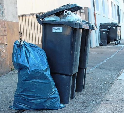 Wann der Müll abgeholt wird,  soll ein individualisierter Kalender zeigen.    Foto: Archiv Foto: Die Oberbadische