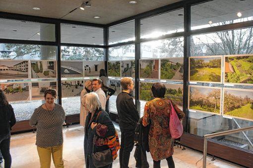 Die Eröffnung der Foto-Ausstellung war gut besucht. Foto: Die Oberbadische