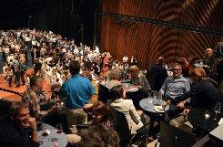 Ein Eldorade für Weinfans war am Wochenende die Weinmesse von Hieber im Lörracher Burghof. Foto: Silvia Waßmer Foto: anl