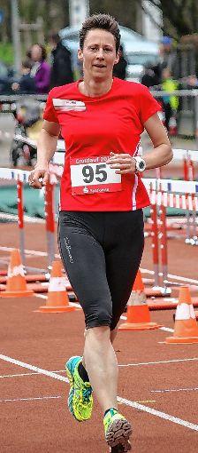Siegerin bei den Frauen: Simone Ladenberger (TSG Lauftreff Schopfheim)   Foto: Gerd Lustig Foto: Die Oberbadische