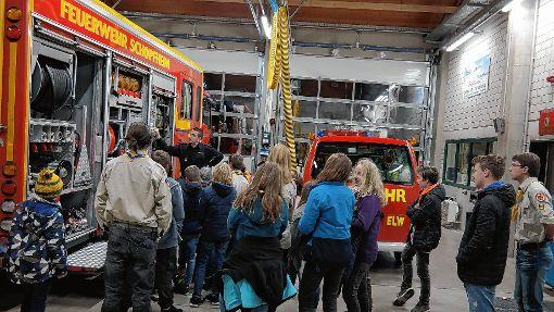 Einen Blick hinter die Kulissen der Feuerwehr warfen die Royal Rangers.    Foto: zVg Foto: Markgräfler Tagblatt