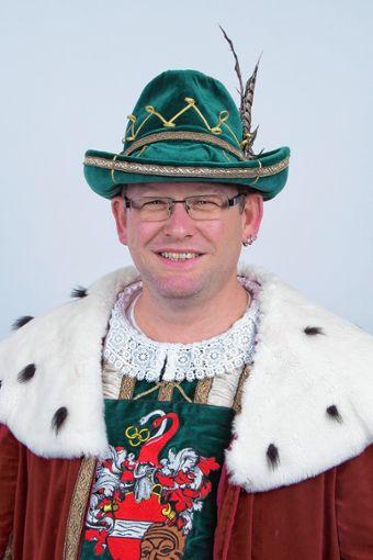 Kai vo de Sägi alias Kai Kiefer ist der 50. Zeller Hürus. Er freut sich auf rund 70 Veranstaltungen, die er in den kommenden Wochen in seiner Rolle als Fasnachtsregent besuchen wird.     Foto: zVg Foto: Markgräfler Tagblatt