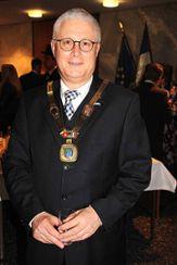 OB Wolfgang Dietz mit Amtskette Foto: Siegfried Feuchter