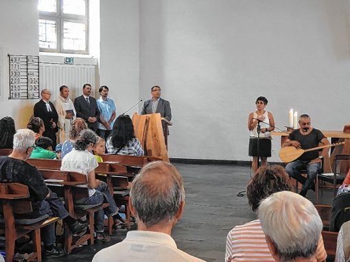 Religiöse Eröffnung (v.l.): Michael Hoffmann, Gerd Möller, Erdan Senturk (und sein Übersetzer) und  Dede Kazimoglu Hüseyin Foto: Weiler Zeitung