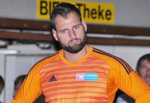TuS-Coach Florian Philipp zu Gast mit dem TuS in Riegelsberg. Foto: Mirko Bähr