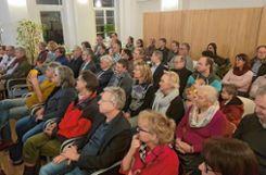 Mehr als 70 Besucher kamen zum Neujahrsapéro, zu dem der Stadtteilverein Friedlingen eingeladen hatte. Foto: Marco Fraune