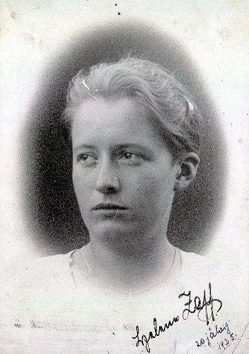 Helene Zapf als Zwanzigjährige  Foto: zvg Foto: Weiler Zeitung