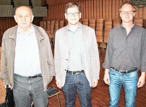Zu den fachkundigen Zuhörern gehörten auch (von links): Peter Donath, Markus John und Martin Forter. Sie  erfragten etliche Präzisierungen.  Fotos: Rolf Reißmann Foto: Die Oberbadische