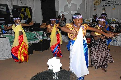 Mit vielfältigen Angeboten - wie beispielsweise einem Tanzworkshop – versucht das Rainbow House of Hope in Uganda, benachteiligten Jugendlichen eine Perspektive zu bieten.   Fotos: zVg Foto: Markgräfler Tagblatt