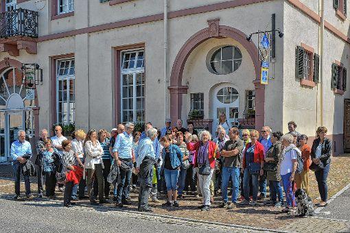Groß war das Interesse am historischen Dorfrundgang in Binzen am Sonntag.  Foto: Joachim Pinkawa Foto: Weiler Zeitung