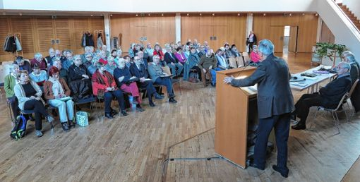Der Geschichts- und Kulturkreis Neuenburg blickte auf ein erfolgreiches Jahr zurück.   Foto: Dorothee Philipp Foto: Weiler Zeitung